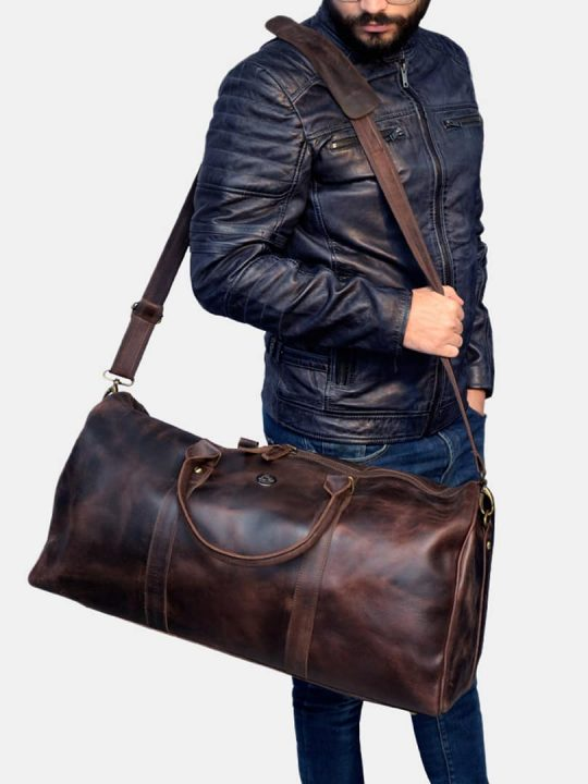 Amado travel bag model